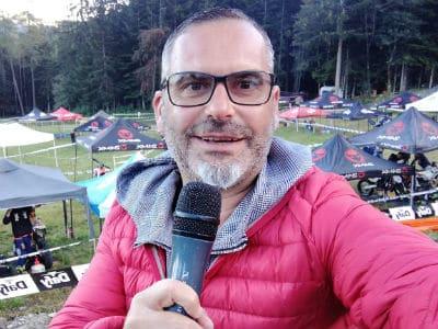 Sébastien Galaup speaker pour sport moto