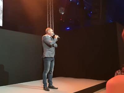 Sébastien Galaup-monsieur loyal-scène-planches-poursuite-l'Olympia