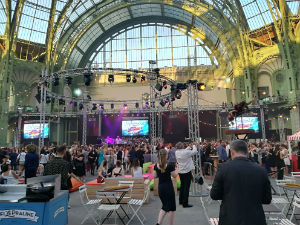 Grand Palais-animation soirée entreprise-dance floor-projecteur-spot-musique