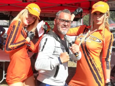 Sébastien Galaup-speaker sportif-podium-championnat du monde-enduro-moto