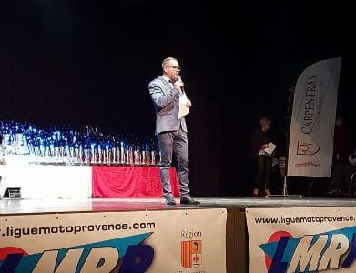 speaker moto-remise des prix-motos-podium