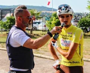 speaker sportif-cyclisme-maillot jaune-vainqueur